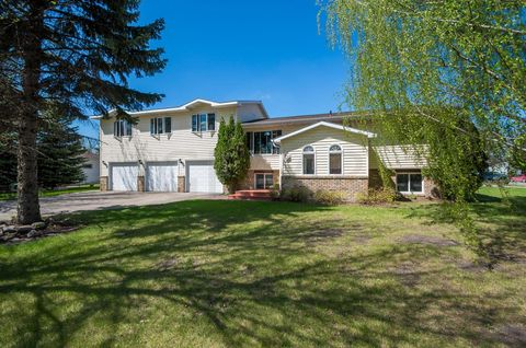 1106 22nd St Nw, E Grand Forks, MN 56721