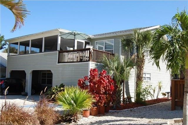 170 Pearl St, Fort Myers Beach, FL 33931