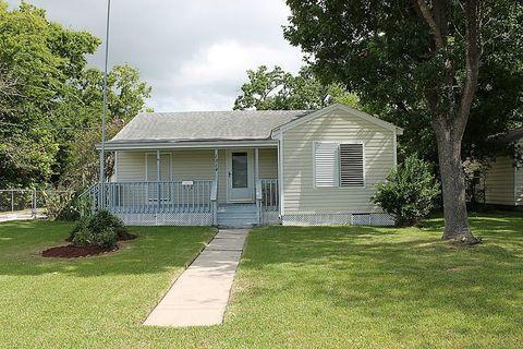 1814 Magnolia Dr, La Marque, TX 77568