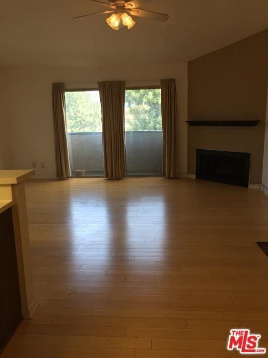 5500 Lindley Ave Unit 215, Encino, CA 91316