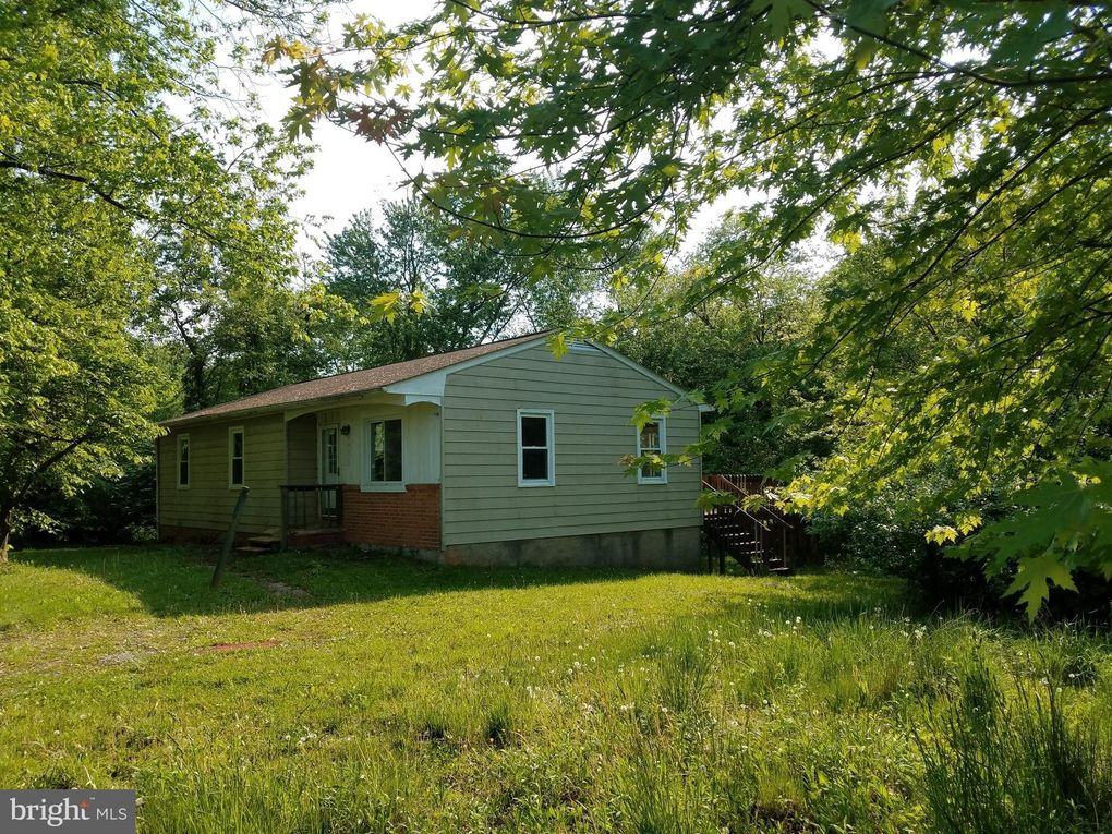 5700 Hodges Rd, Sykesville, MD 21784