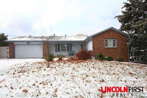 Photo of 6701 L St, Lincoln, NE 68510