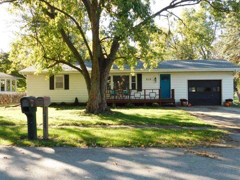 809 W Jefferson St, Kouts, IN 46347