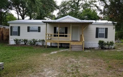 Photo of 148 Nw Jimmy Way, Lake City, FL 32055