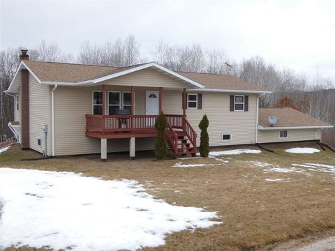 Photo of 14704 Valley View Rd, Mount Hope, WI 53816