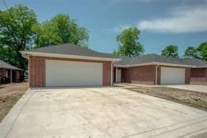Photo of 1725 Division St, Commerce, TX 75428