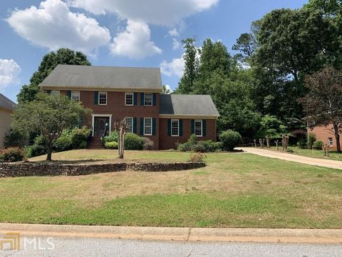 Photo of 833 Austin Ct, Lawrenceville, GA 30046