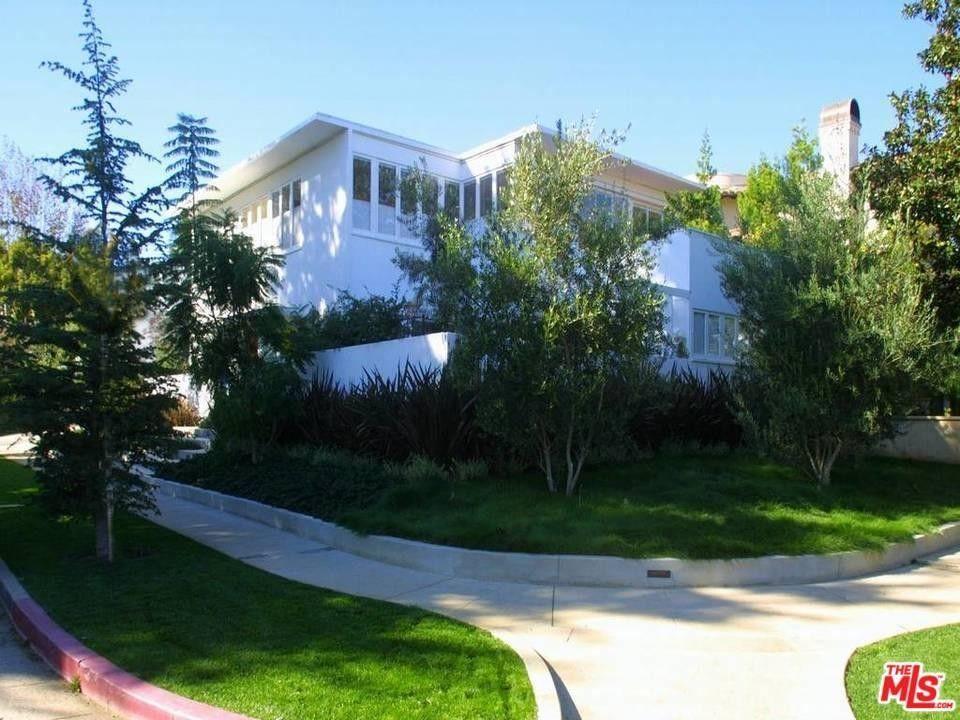 12215 Dunoon Ln, Los Angeles, CA 90049