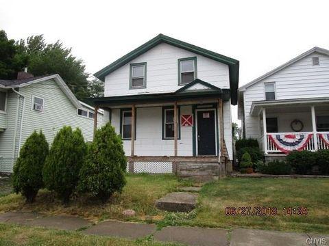 97 Cottage St, Auburn, NY 13021