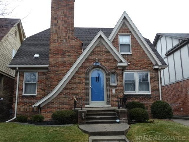 Check out the home I found in Grosse Pointe Farms