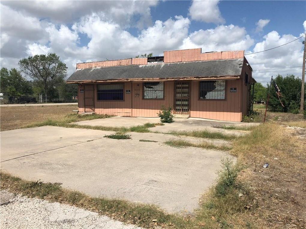 909 N King St, Alice, TX 78332