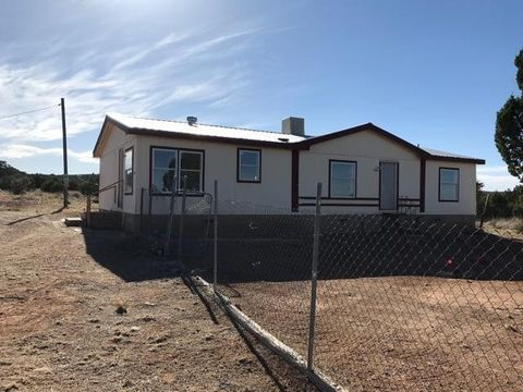 38 Phillips Rd, Moriarty, NM 87035
