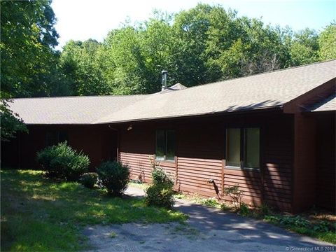 69 Fieldstone Ter, Naugatuck, CT 06770