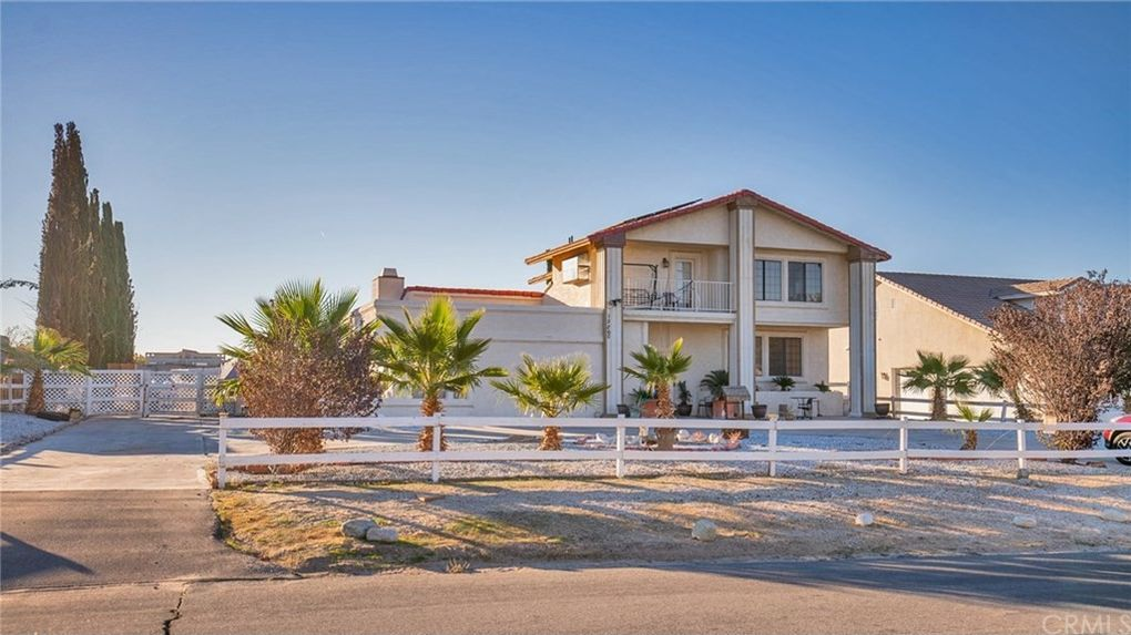 12260 Indian River Dr, Apple Valley, CA 92308