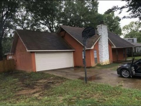 305 Pear Orchard Pl, Ridgeland, MS 39157