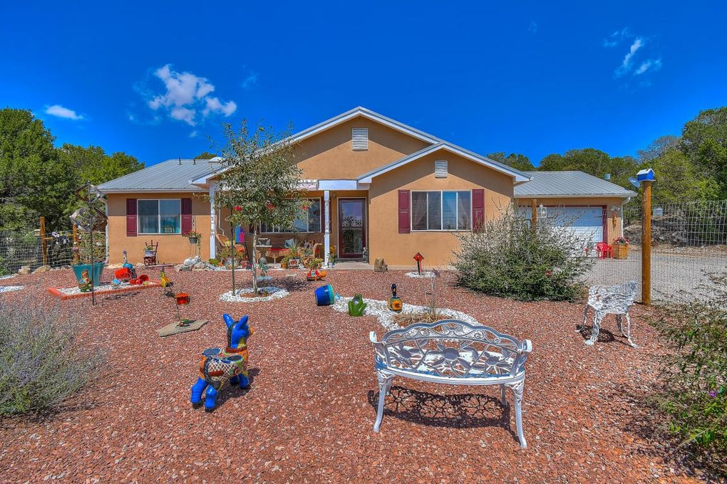 179 Thunder Mountain Rd NE Edgewood, NM 87015