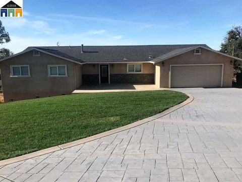 Photo of 3169 Demin Ct, Valley Springs, CA 95252