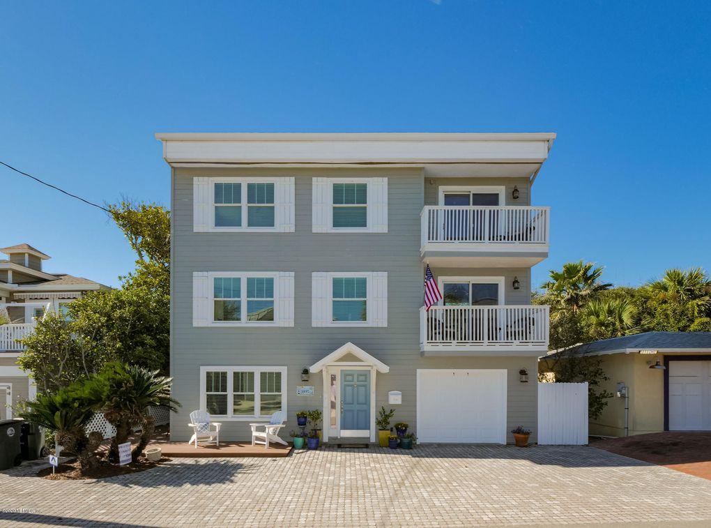 1892 Beach Ave Atlantic Beach, FL 32233