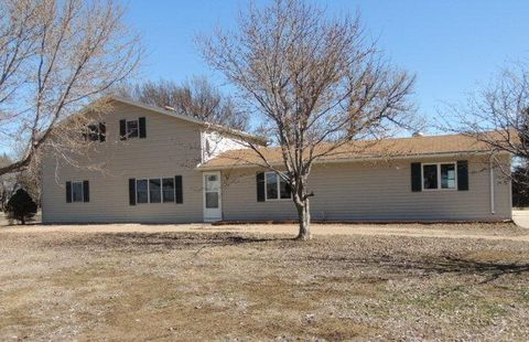 2208 Road 3100, Lawrence, NE 68934