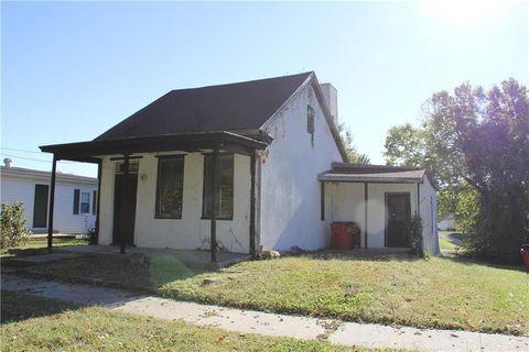 621 Highland Ave Lexington MO 64067