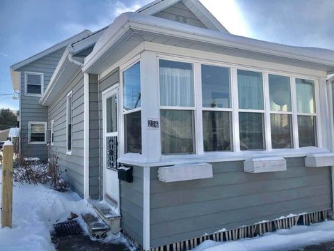 Photo of 226 W 5th St, Neillsville, WI 54456