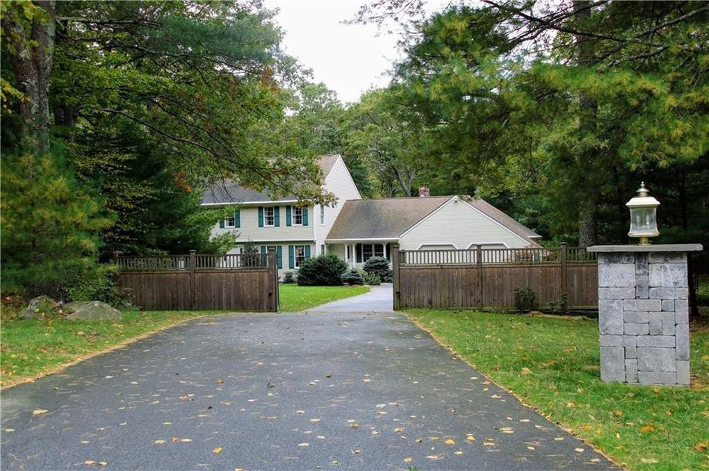 21 Whispering Pines Ter, West Greenwich, RI 02817