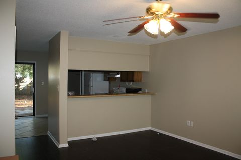 Photo of 217 Se Oak St Unit A, Fort Walton Beach, FL 32548
