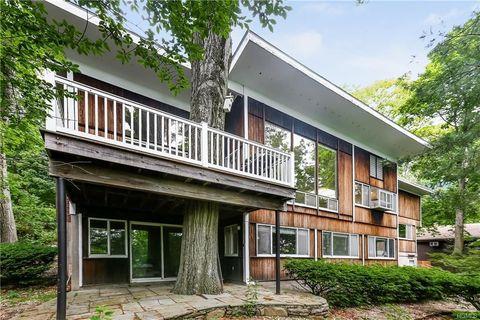 56 Old Colony Rd, Hartsdale, NY 10530