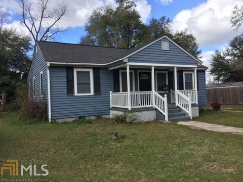 Photo of 511 Hendrix St, Millen, GA 30442