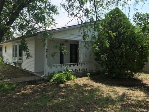 Photo of 409 S Iowa St, Kanopolis, KS 67454