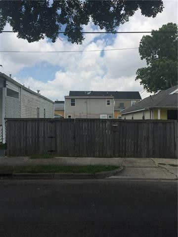 2529 Dryades St, New Orleans, LA 70113