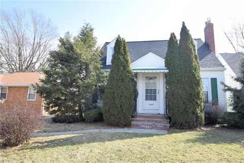 Photo of 6247 Stratford Dr, Parma Heights, OH 44130