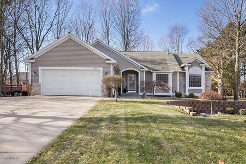 Photo of 11049 Timberline Dr, Allendale, MI 49401