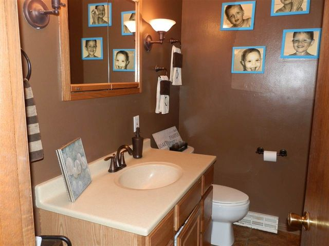 Bathroom Fixtures Janesville Wi 1133 n grant ave, janesville, wi 53548 - realtor®