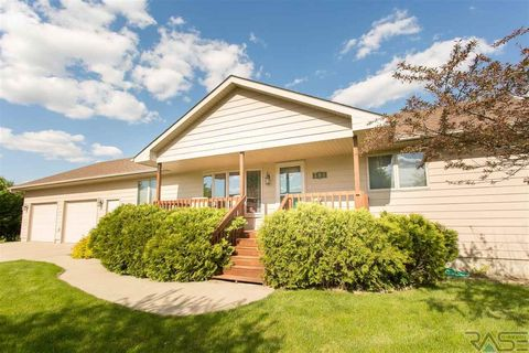 504 Grace Ave, Parker, SD 57053
