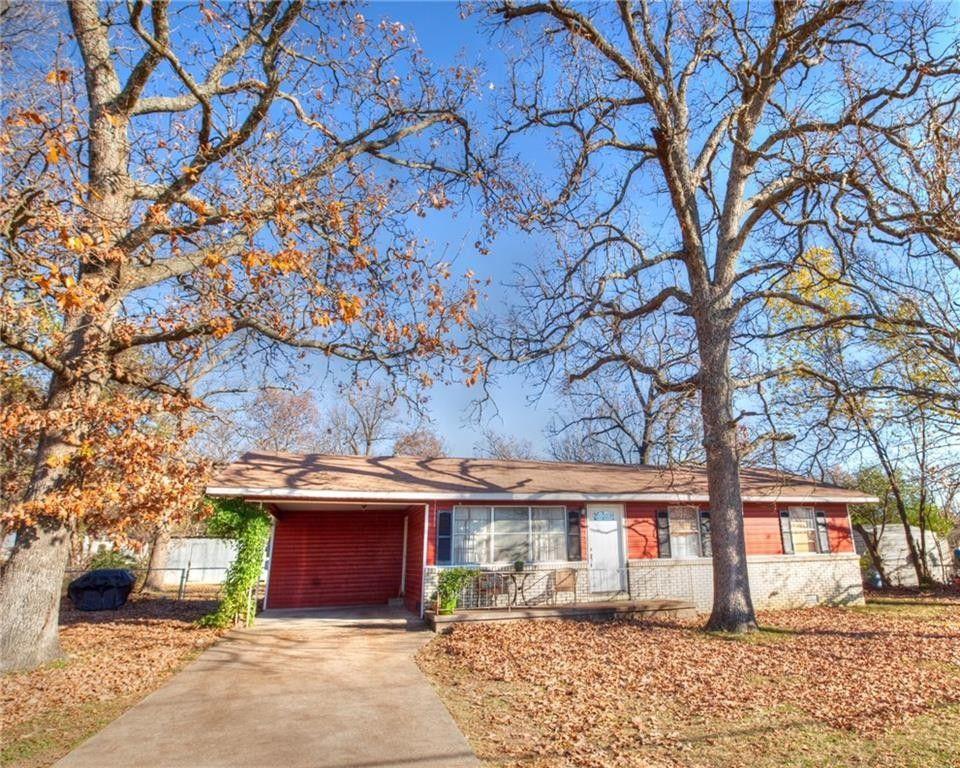 797 N Oak Grove Rd, Springdale, AR 72762
