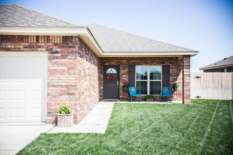 Photo of 110 Western St, Claude, TX 79019