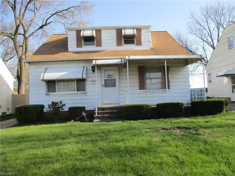 Photo of 16013 Northwood Ave, Maple Heights, OH 44137