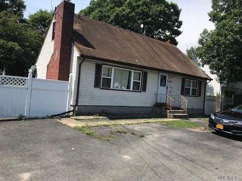 4 Bay Shore Rd, West Islip, NY 11795