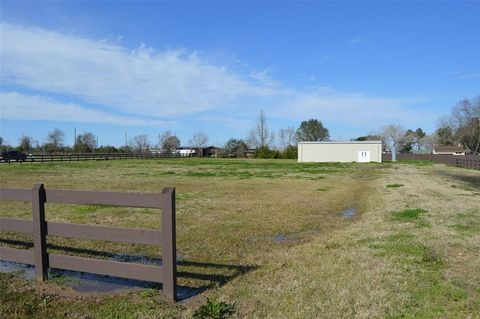 Photo of 32612 Baethe Rd, Waller, TX 77484