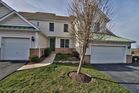 2103 Robinson Close, Moosic, PA 18507