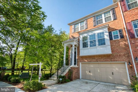 15613 Quince Trace Ter, Gaithersburg, MD 20878