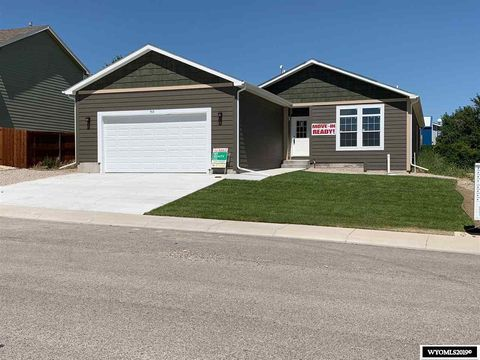Photo of 910 Flicker St, Douglas, WY 82633