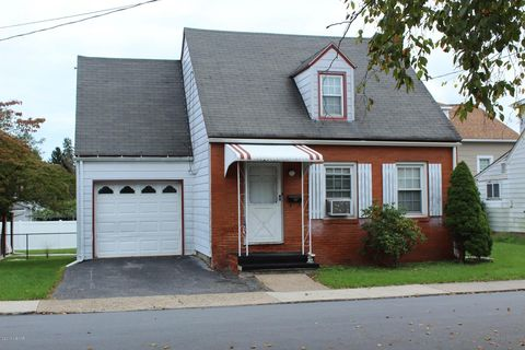 Photo of 40 Pearl St, Lock Haven, PA 17745