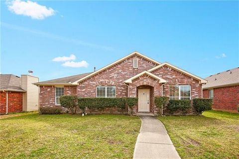 Photo of 1206 Long Branch Dr, Lancaster, TX 75146