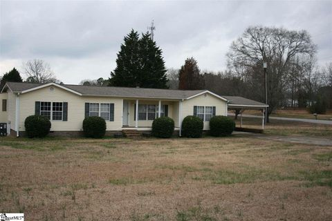 Photo of 624 Taylor St, Central, SC 29630