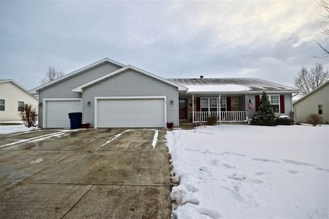 520 Clay St, Wrightstown, WI 54180