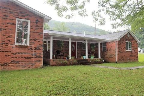 171 Woods Ln, Williamsburg, KY 40769