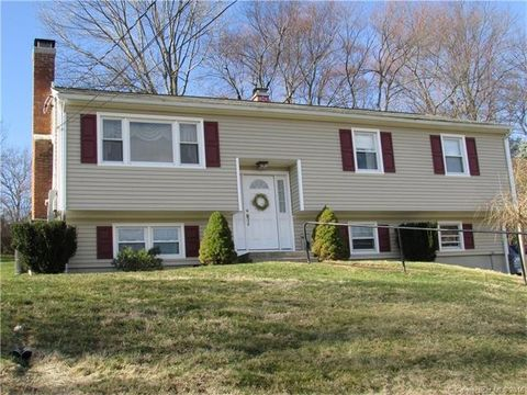7 White Birch Ln, Beacon Falls, CT 06403
