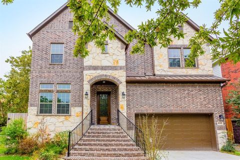 Photo of 4305 Holt St, Bellaire, TX 77401